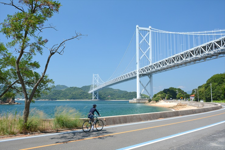 """Cycling Road"" on Setouchi Shimanami Kaido Expressway"
