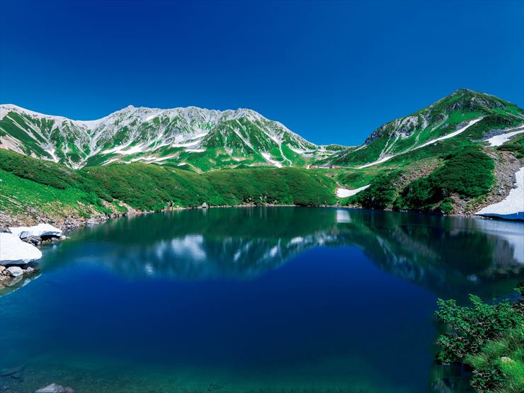 "Tateyama Kurobe Alpine Route Great view spot ""Mikuriga-ike"" Pond"