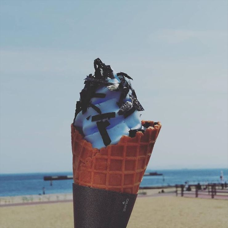 Suma Beach Shio-nori soft serve ice cream